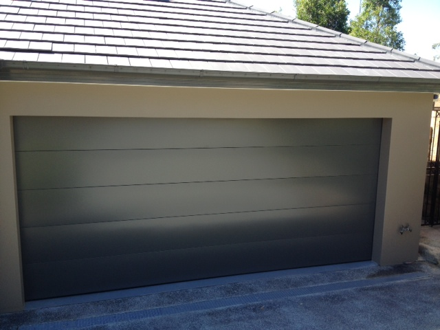replaced-damaged-garage-door-at-northwood-photo5