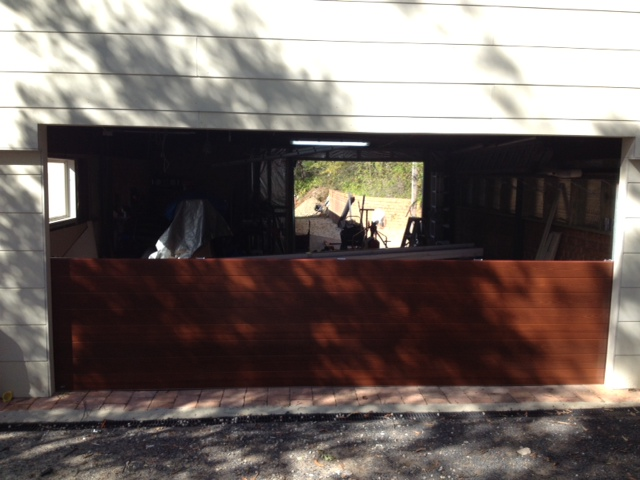 Panelmasta in timber coat berowra heights - photo 1