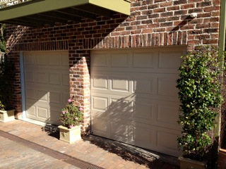 st-ives-panelift-garage-doors-photo2