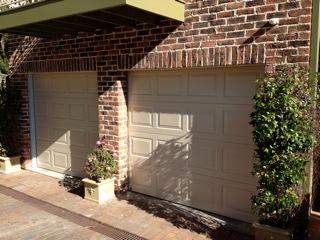 st-ives-panelift-garage-doors-photo2